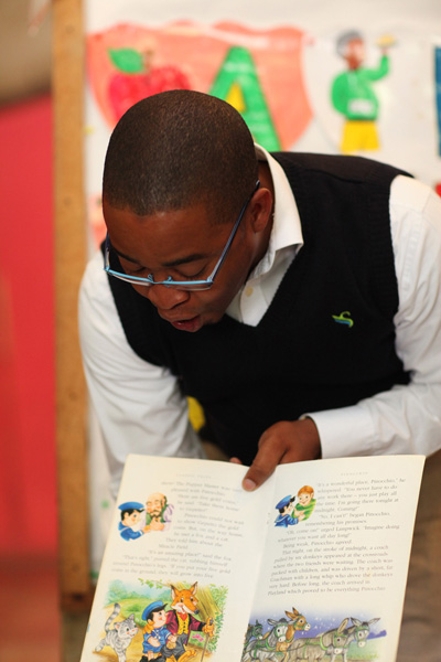 Reading to the Shalom Geniuses - Eton Williams